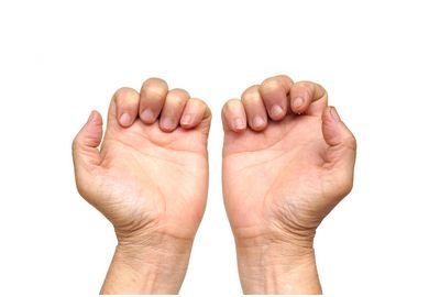 指を使って認知症予防!高齢者に...
